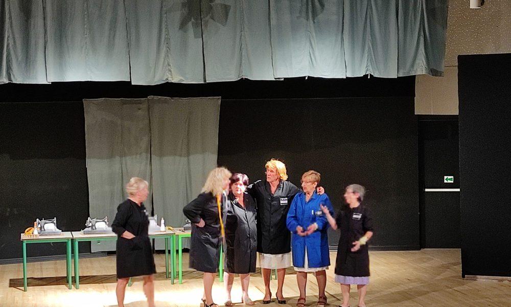 """Lo spettacolo teatrale """"Sebbene siam donne"""" a cura dell'Associazione Anziani e Gruppo Teatro Dialettale Bussero"""